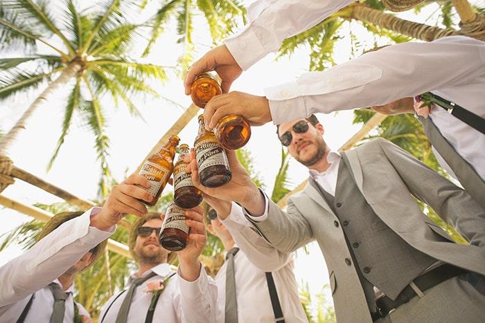 boire une biere avec ses amis